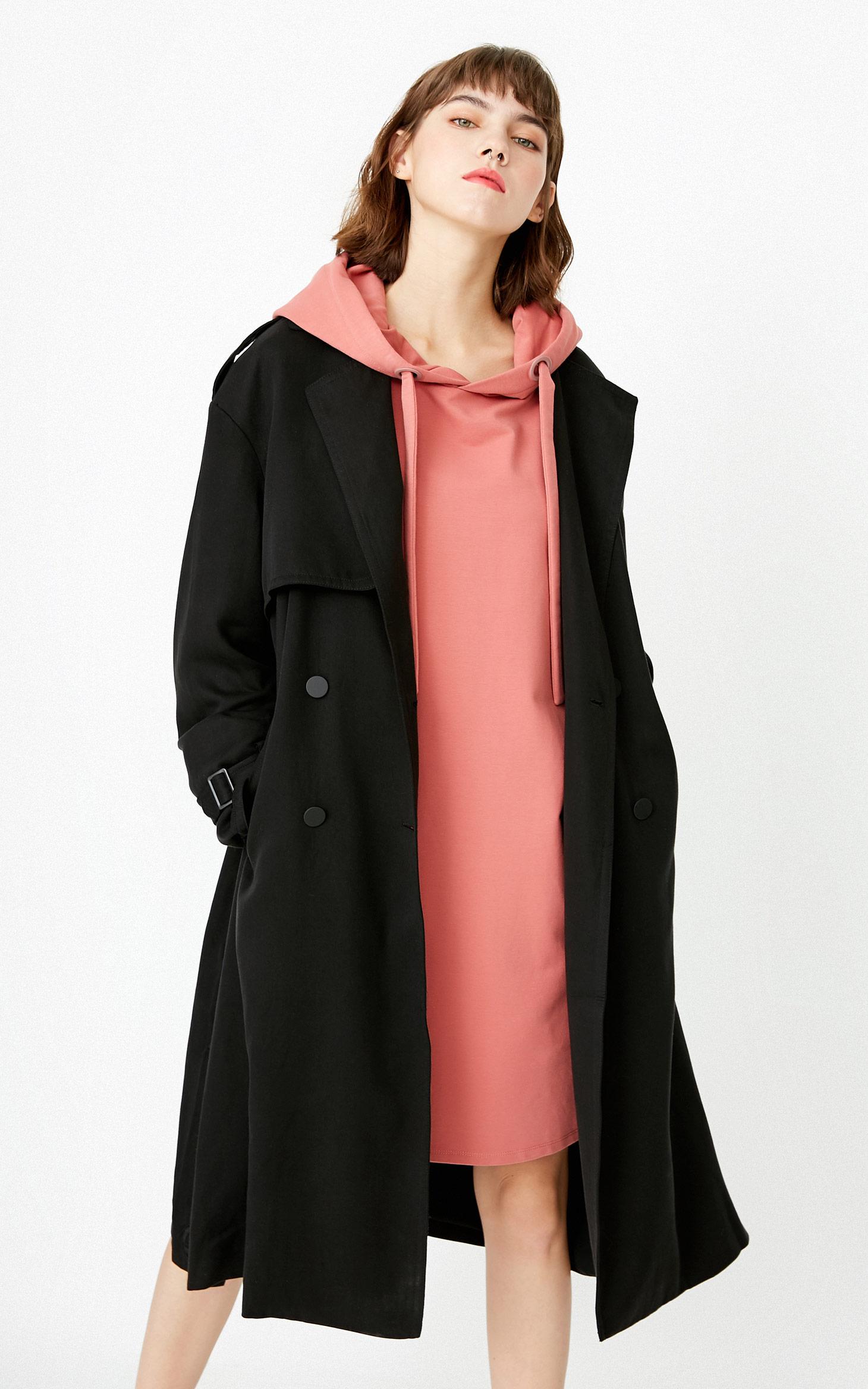 双排扣腰带设计风衣外套